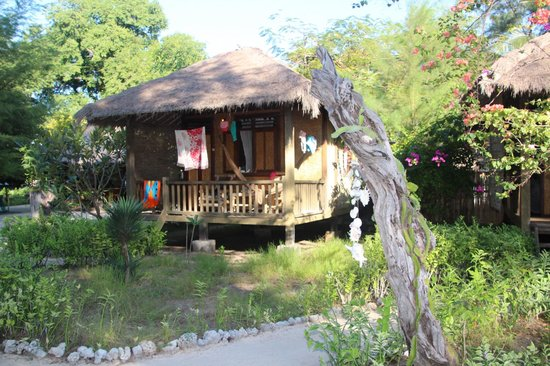 Amber House: Bungalow #4, great location, next to restaurant with  western toilet,