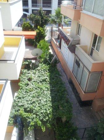 Ekin Aparts: no view except rubbish
