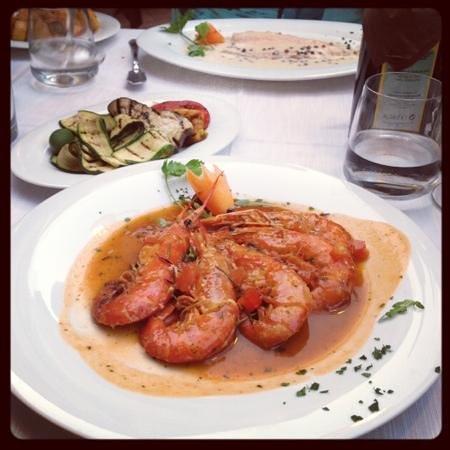 Ristorante al Gondoliere: креветки, овощи гриль и рыба с розовым перцем