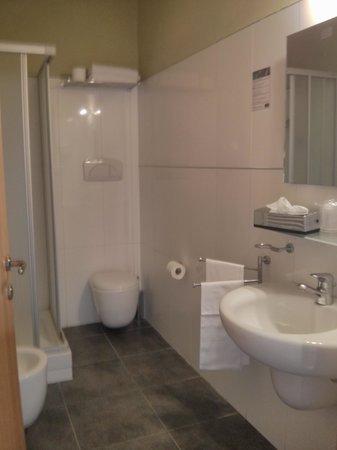 Villa Montarioso: la toilette della nostra camera