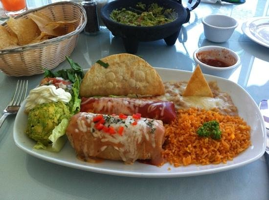 Bachas Restaurant: An incredible combo plate!  Warning - lots of food!