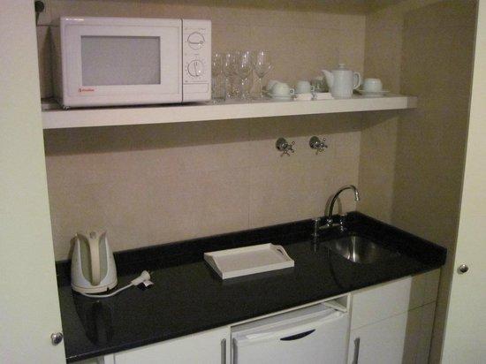 Loi Suites Arenales Hotel: Cozinha