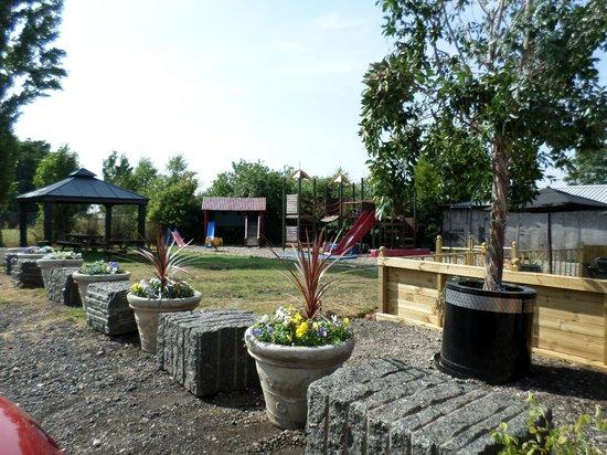 Black Bull Inn: Garden view