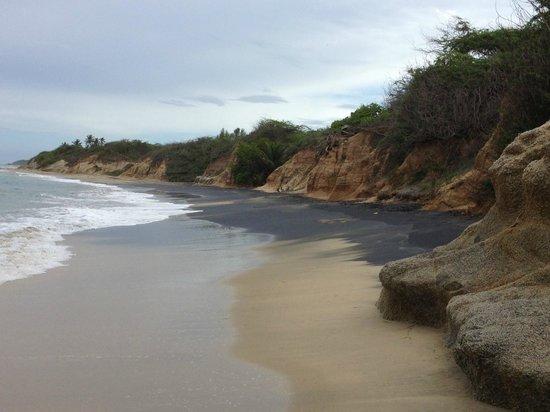 Black Sand Beach: Playa Negra