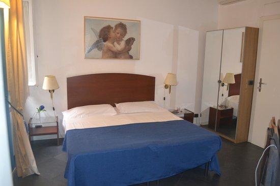 B&B Ventisei Scalini a Trastevere: Room Poeta