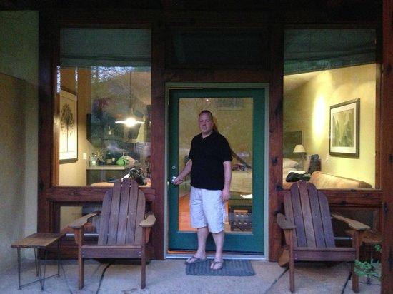 Desert Pearl Inn: Outside of our room