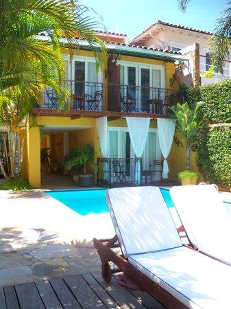 Vila D'este: Vista al sector de las habitaciones, la mia era la de arriba a la izquierda