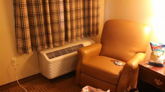 Extended Stay America - Newport News - Oyster Point: Chair and Drapes