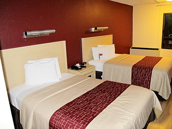 Red Roof Plus+ Miami Airport: double beds