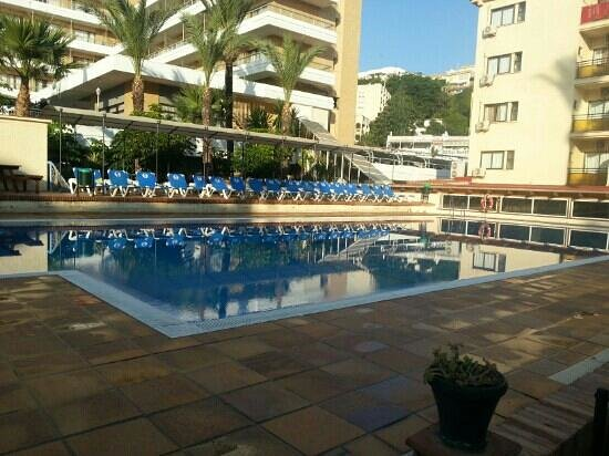 Sol Don Pedro by Melia: sol don pedro pool at 7am