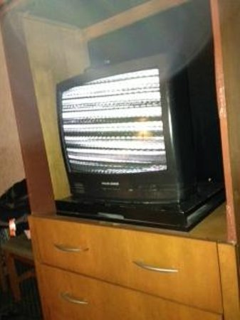 Rodeway Inn Galloway : All TV stations looked like this.