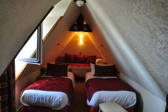Hotel Croix Blanche : Tiny but clean