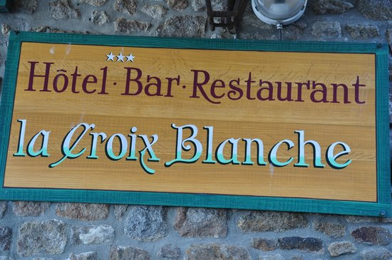 Hotel Croix Blanche: The hotel is above the bar and restaurant