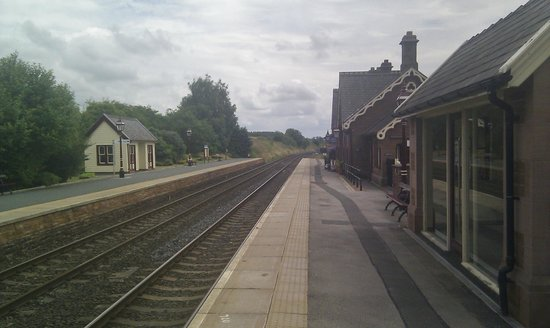 Langwathby, UK: The station looking south