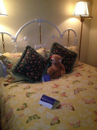 Gosby House Inn - A Four Sisters Inn : our bed in room 7