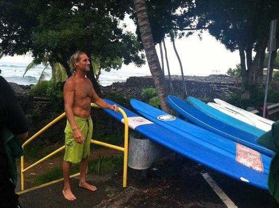 Surfer Bear Hawaii Surf Lessons : Surfer Bear post-lesson