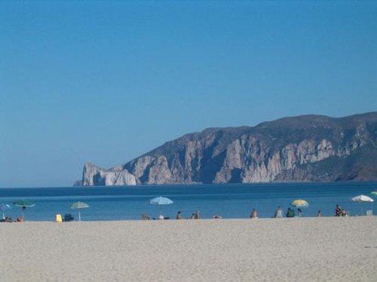 Piedra Del Sol: plage mesu gonnesa