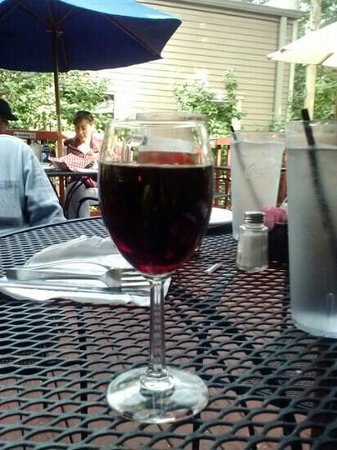 Tony Rigatoni's Italian Kitchen: red house wine