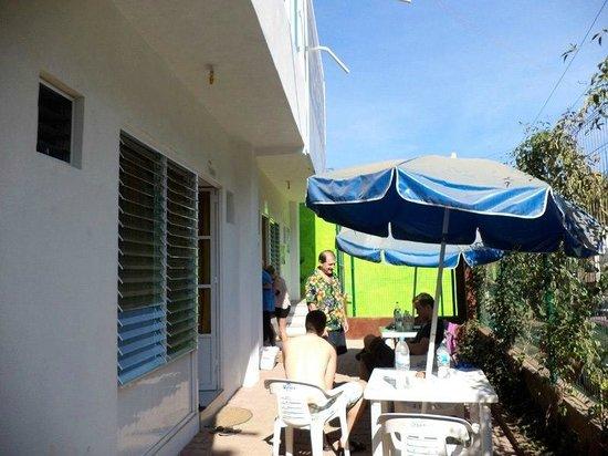 The Amazing Hostel Sayulita: Afuera de los cuartos...