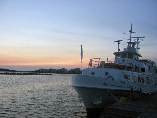 Cumulus Lahti: Вечер в порту Лахти.