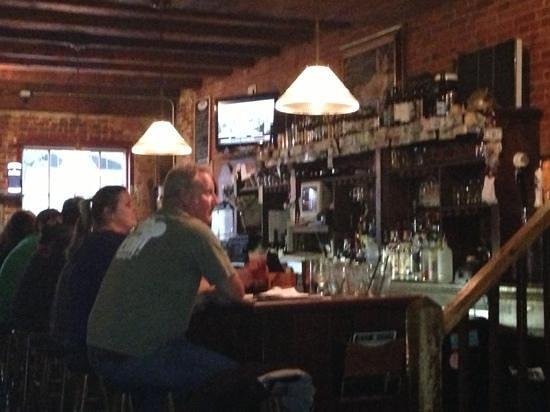 Press Room Restaurant: Lower Bar