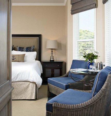 Snug Harbor Inn : San Clemente Room