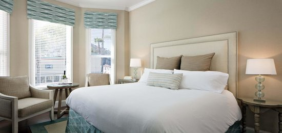 Snug Harbor Inn: Santa Barbara Room