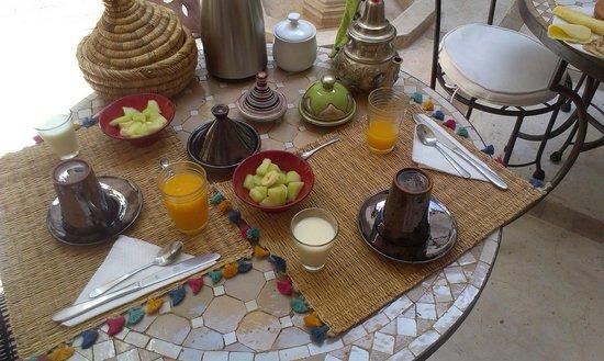 Riad Ghemza: Delicious Moroccan Breakfast