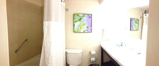 Caribe Hilton San Juan: Bathroom