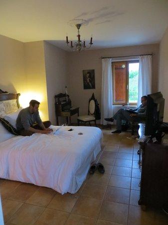 La Barde : family room main bedroom