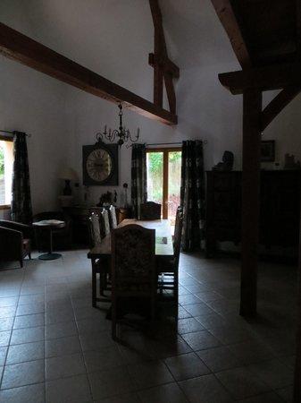 La Barde : breakfast area in main house