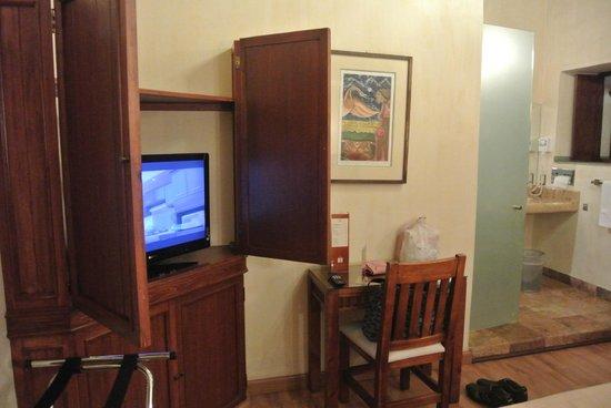 Hotel Casa Antigua : TV