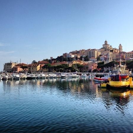 Imperia, İtalya: Marina di Porto Maurizio (dal porto)