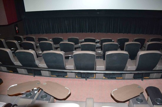 CineBistro at Peninsula Town Center: A seating section