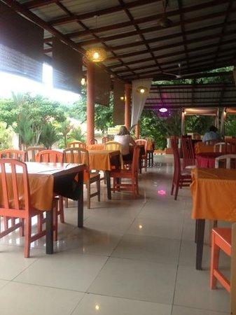 Han Rainforest Resort : huidige staat restaurant