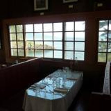 Doe Bay Resort & Retreat: Spectacular view from inside the cafe
