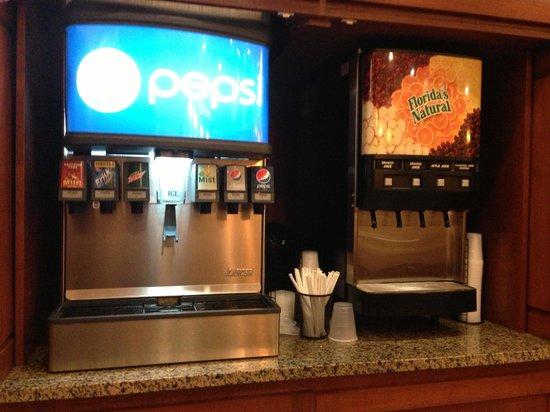 Drury Plaza Hotel Nashville Franklin: Free sodas from 3 to 10