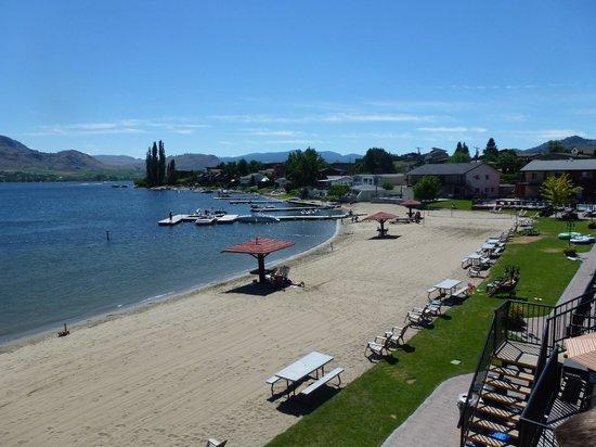 Safari Beach Condo Resort: beach