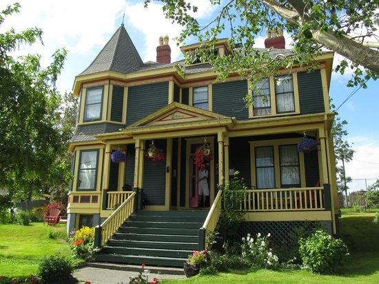 Rothesay House Heritage Inn Bed & Breakfast: B&B from Street