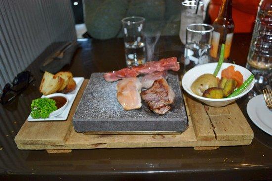Triple 1 Five Restaurant: Stone Grill