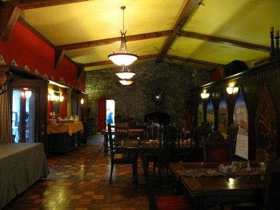 Ravenwood Castle: Dining room of the castle