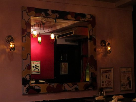 Maxie's Supper Club and Oyster Bar: Mirror, mirror on the wall