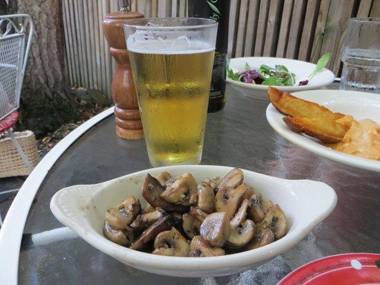 Just a Taste: Tapas 3 mit Bier