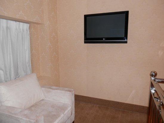 Comfort Inn Manhattan Bridge: Room photo - upstairs 1
