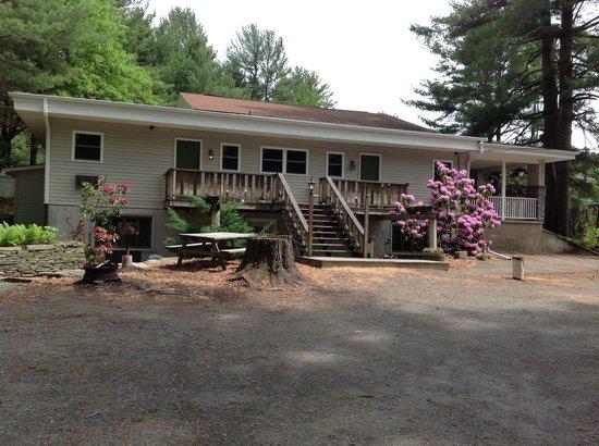 Pocono Pines Motor Inn & Cottages : Annex building