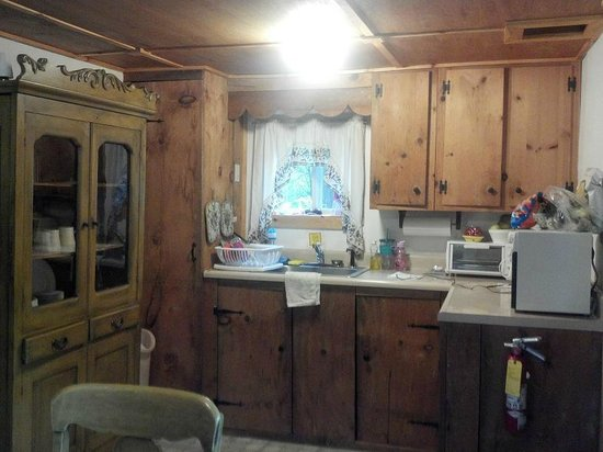 Chocorua Camping Village: Kitchen