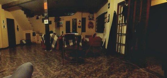 Saqua Hostel & Surf: Sala de estar