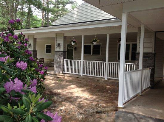 Pocono Pines Motor Inn & Cottages : Lodge