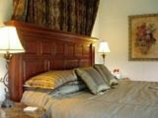 The Queen Anne Bed & Breakfast: Garden Guest Room
