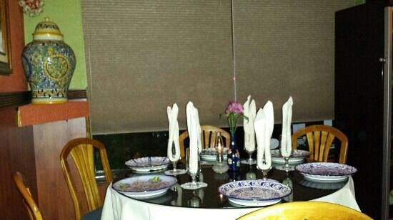 Eduardo de San Angel: Nice table settings complete with authentic China from Mexico